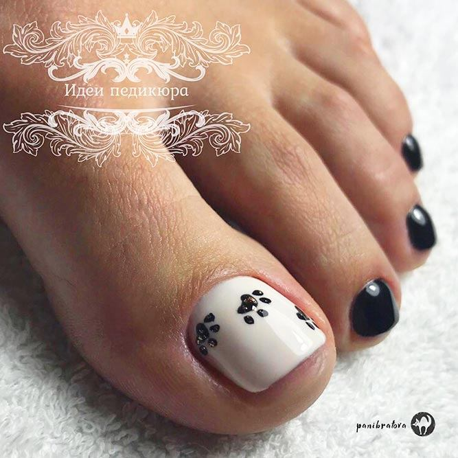 Pet Footprint Nail Art For Pedi #blacknails #easynailsart