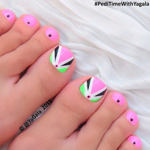 Bright Geometric Nail Art #pinnails #geometricnails
