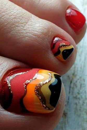 Cute Toe Nails With Glitter Accents #rednails #glitternails
