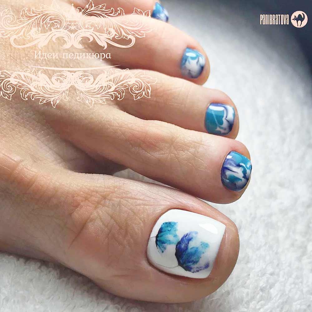 Watercolor Flowers Toe Nails #bluenails #toenailart