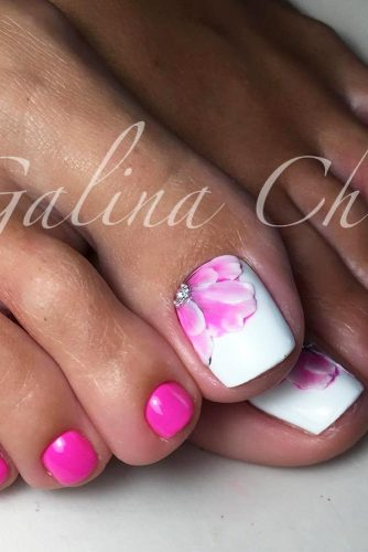 Amazing Toe Nail Designs picture 2