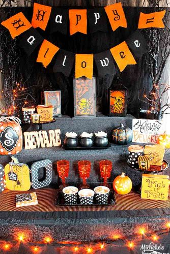 Frightening and Awful Indoor Halloween Decorations pictures 5