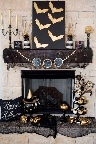 Frightening and Awful Indoor Halloween Decorations pictures 2