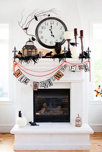 Frightening and Awful Indoor Halloween Decorations pictures 1