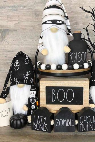 Gnomes Halloween Makeup Ideas #gnomes #bottles