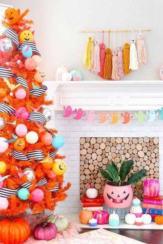 Halloween Tree Decorations Idea #halloweentree #halloweengarland