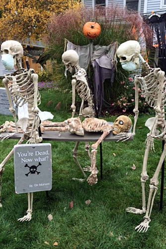 Fun and Scary Outdoor Halloween Decor picture 5