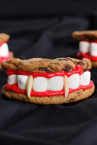 18 Sweet Halloween Treats and Spooky Dessert Ideas