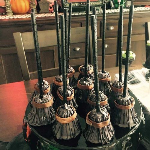 Broomstick Cake Pops Idea #witch #halloweencakepops