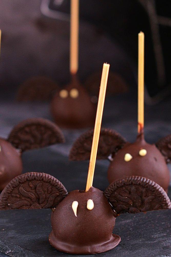 Chocolate Halloween Bats #bats #cookies