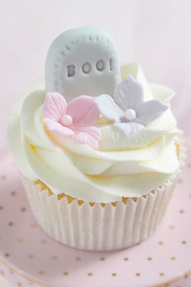 Cute Cupcake With Tombstone #tombstone #rip