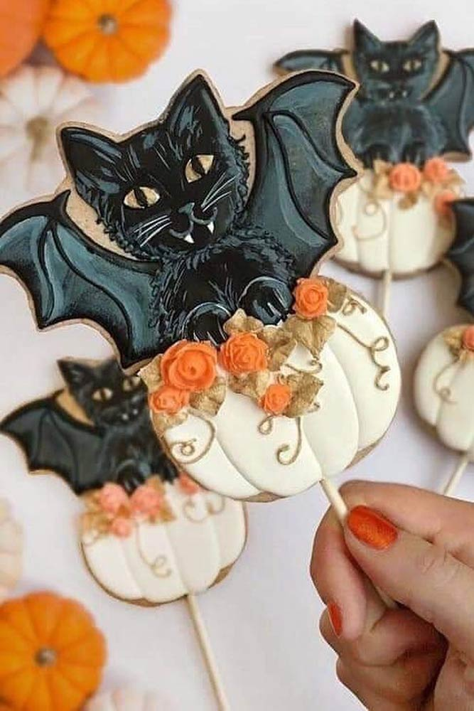 Black Cats Halloween Cookies #bats #cats
