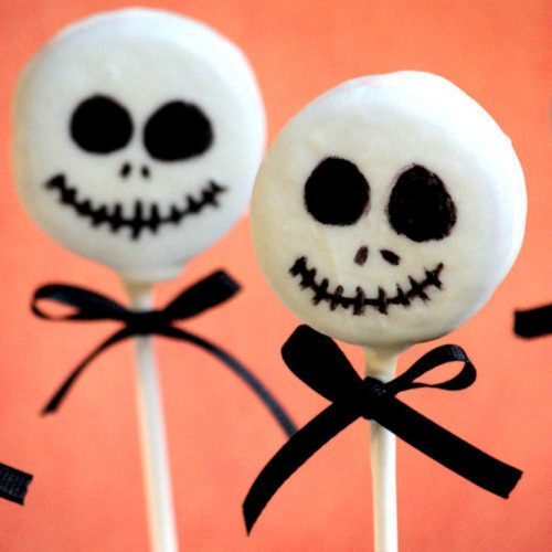Skeleton Lollipop Idea #halloweenlollipop #skeletonlollipop