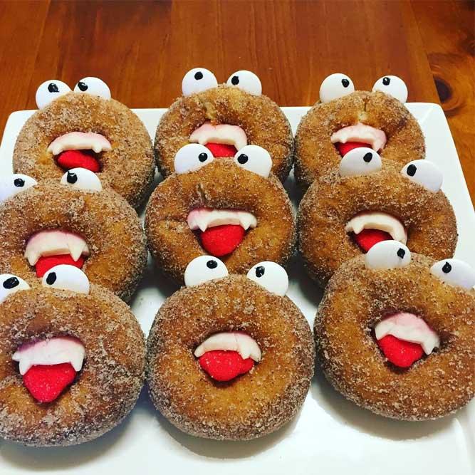Vampire Halloween Donuts #vampiredonuts #halloweendonuts