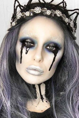 Black Queen Makeup Idea #blackqueen #cryinggirl