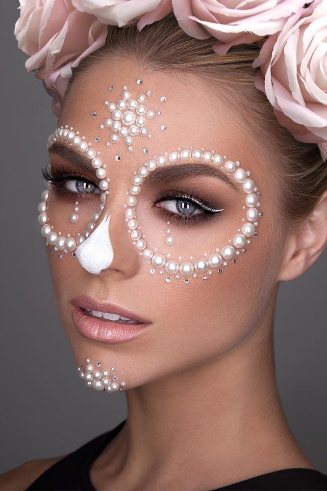 Pearl Sugar Skull Makeup