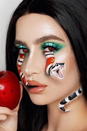 Snake Face Makeup Idea #snake #faceart