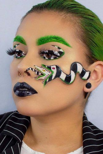 Snake Girl Pretty Makeup #snakemakeup