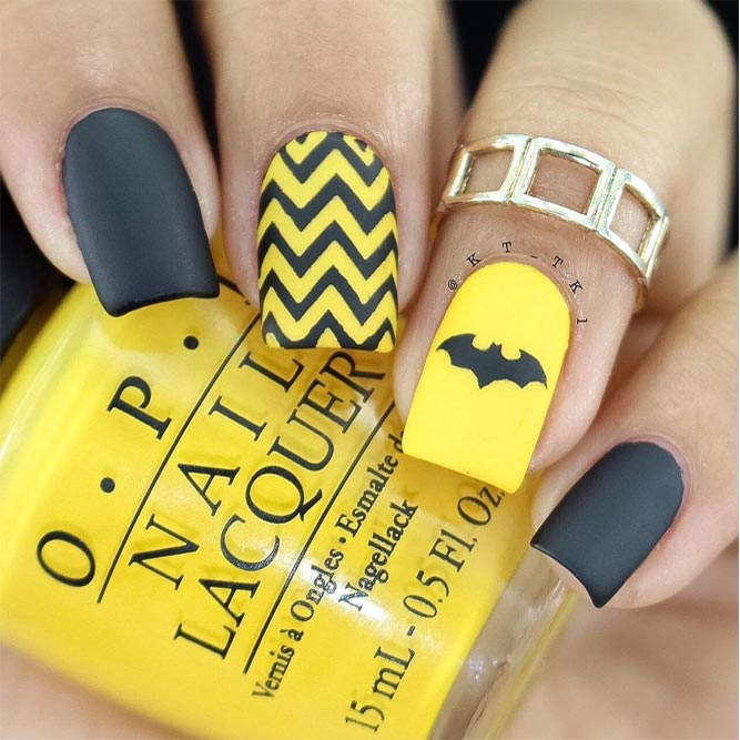 Batman Halloween Nail Art