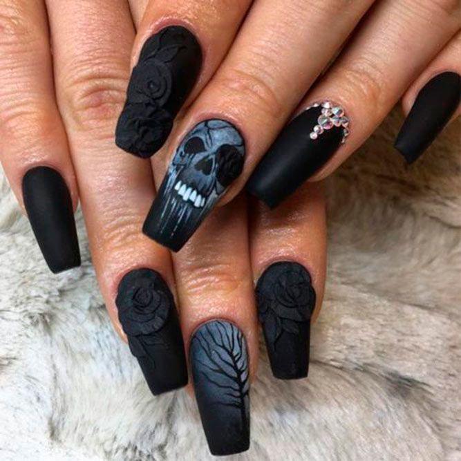 Creepy Dark Roses Nail Art #mattenails #blacknails