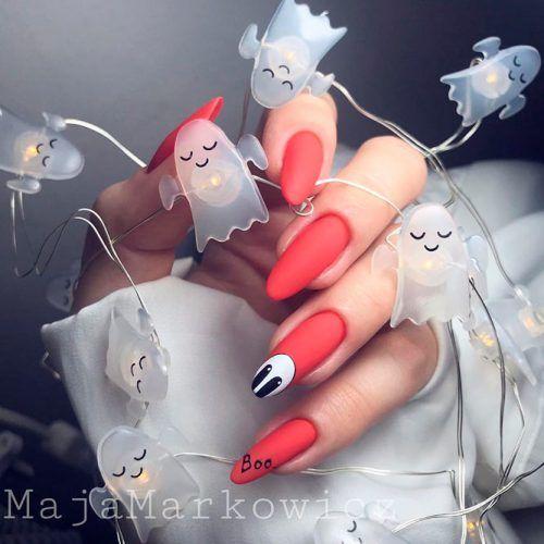 Minimalistic Nail Art For Halloween #mattenails