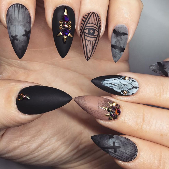 Stunning Halloween Nails picture 1