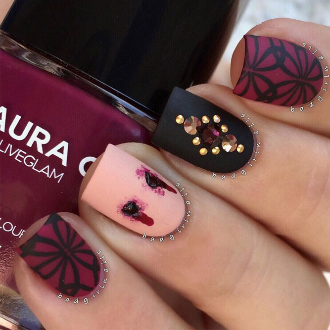 Vampy Halloween Nail Art Idea