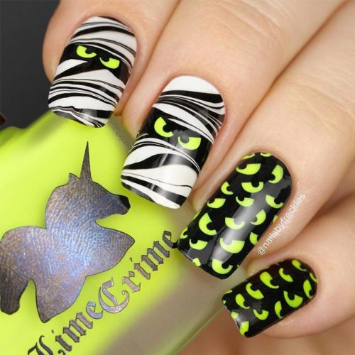 Super Nails with Mummies Art