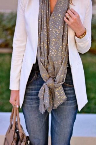 How to Wear a Scarf - Clashing Prints picture 3