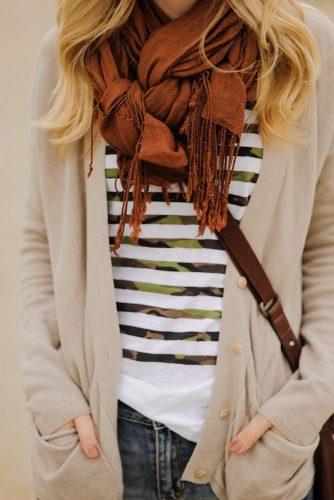 How to Wear a Scarf - Around the Neck picture 4