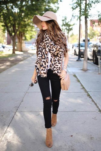 How to Wear a Scarf - Clashing Prints picture 5