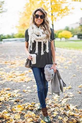 How to Wear a Scarf - Texture Contrast picture 3