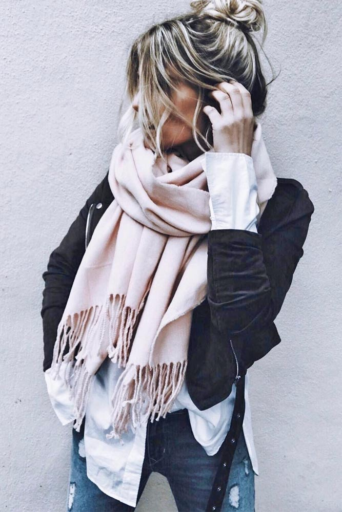 How to Wear a Scarf - Texture Contrast picture 2