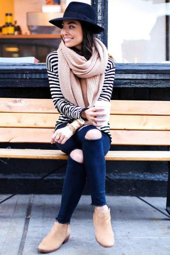 How to Wear a Scarf - Texture Contrast picture 5