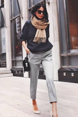 How to Wear a Scarf - Against the Face picture 4