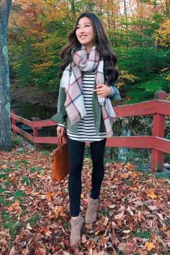 How To Wear A Scarf With Leggins #falloutfit #stylishlook