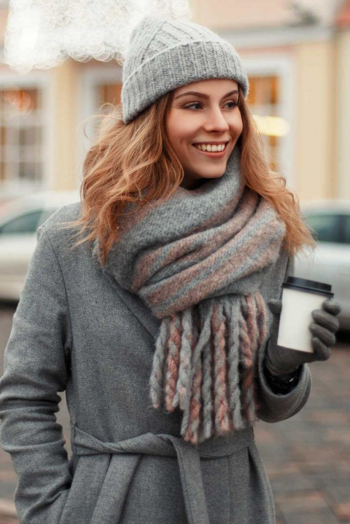 How to Wear a Scarf in Winter