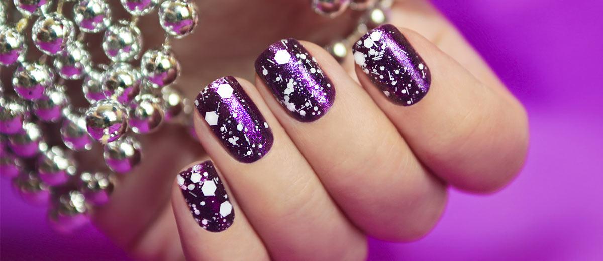 18 adorable holiday nail art ideas prinsesfo Choice Image