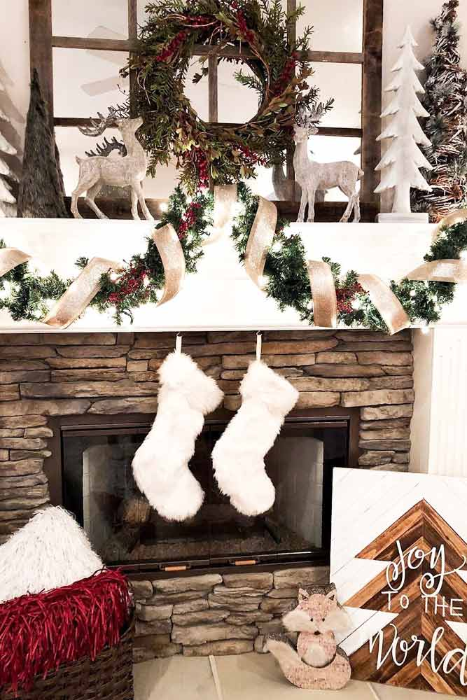 Rustic Fireplace Decorations #garland #rusticchristmastree