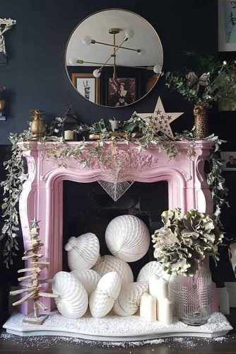 Modern Fireplace Decorations With Simple Garland #stardecor #woodendecor
