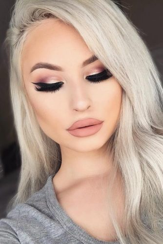 Glamorous Rose Gold Makeup Looks picture 5