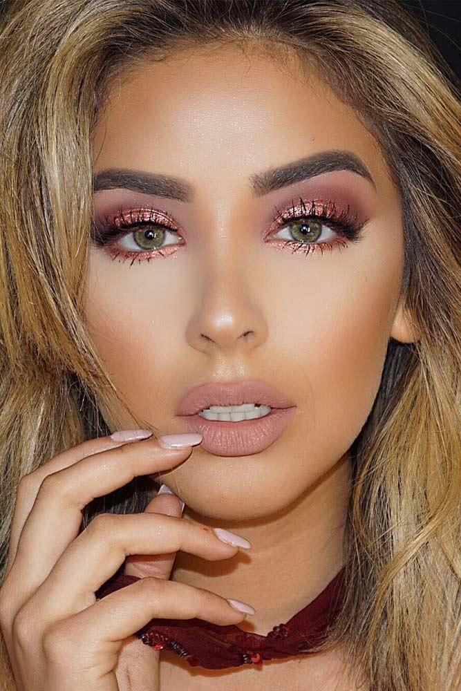 Light Shimmer Rose Gold Makeup Looks picture 5
