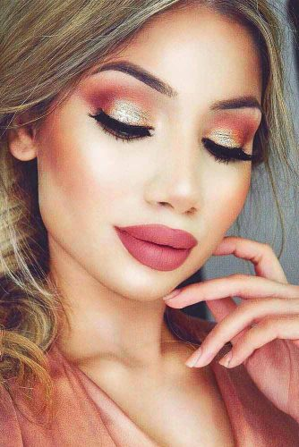 Light Shimmer Rose Gold Makeup Looks picture 4