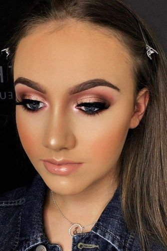 Bold Smokey eyes Makeup With Pink Lipgloss #smokeyeyes