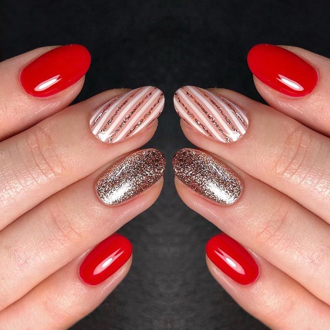 Easy Glitter Stripes For Chrtistmas Mani #glitternails #stripednails #easynailart