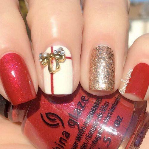 Bling Christmas Nail Art #glitternails #winternails #holidaynails