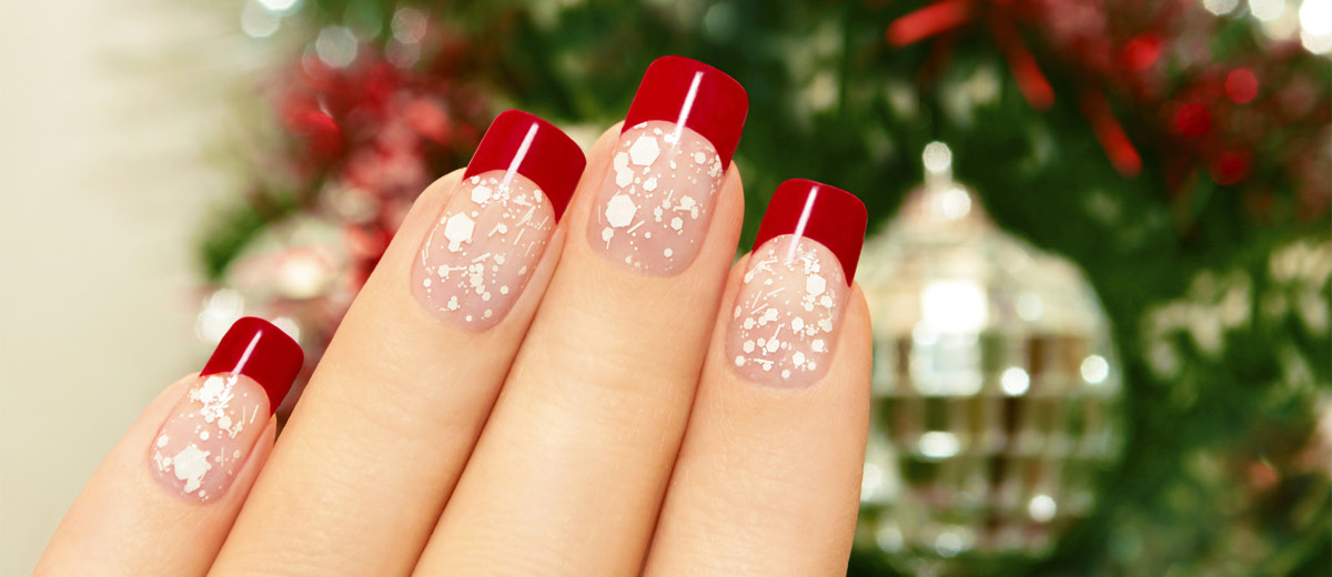 Christmas nail art in gold white and red colors prinsesfo Choice Image