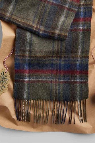 Comfy Plaid Scarf Gift Idea #plaidscarf