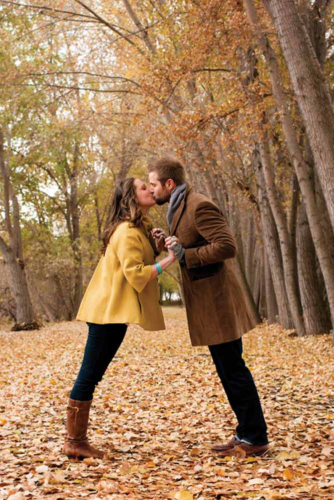 fall-engagement-photos-cutes-14