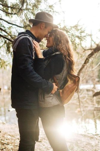fall-engagement-photos-cutes-17